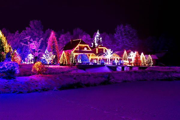 Holiday Lighting: How to be Safe & Creative this Season